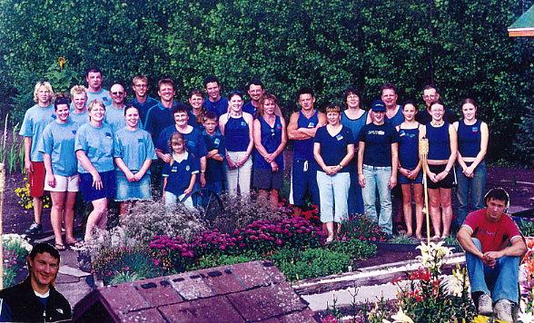 Lorna Bolton & 16 Grandchildren Year: 2003, Aug