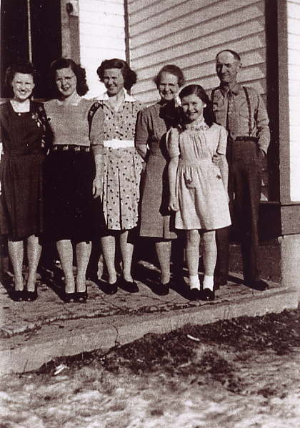 Butters' Family Year: 1947 From Left: Lorraine, Wilma, Isabelle, Bessie, Shirley & Harry