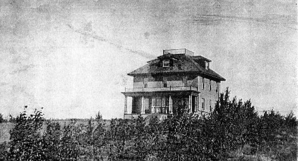 Henry's second house near Moose Jaw Year: 1907 Place Name: Moose Jaw, SK Large lonely house on the prairie