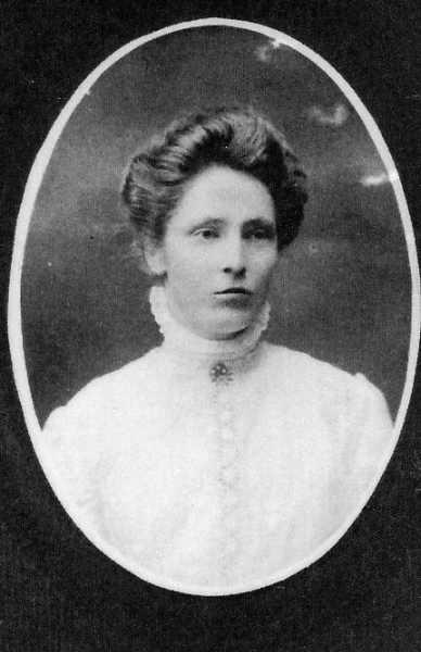 Rosa Mae Kelly, 18 years Year: 1909