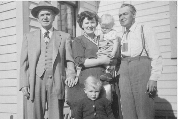 Year: 1954 Four generations: Walater, Duince holding Candace, Stuart and Harry