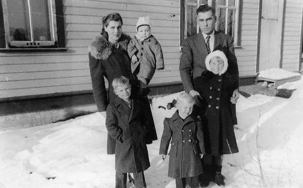 Leier Family Year: 1941 Place Name: Reward, SK (Back l/r) Agnes holding Joe & Jack (Front l/r) Jim, Don & Patricia