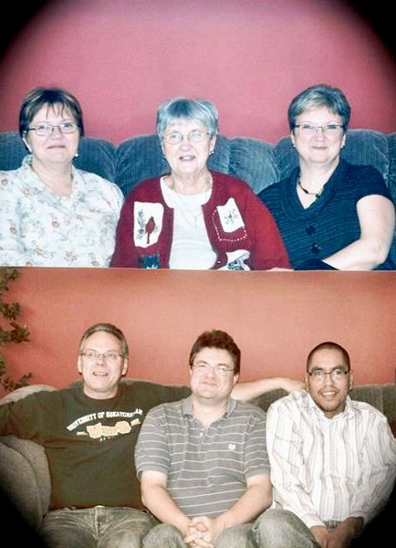 Livingston Family Year: 2009 Place Name: Saskatoon, SK Top row: Patricia Jickling, Elsie Livingston, and Gail Borowsky Bottom row: Douglas, Brian, and Lloyd Livingston