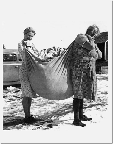 Wash Day at the Myhr Farm Year: 1939-40 Place Name: Homestead of Olaf Myhr SE/4,sec6-Twp35-Rge5-W2Meridian Image Source: Unknown photographer