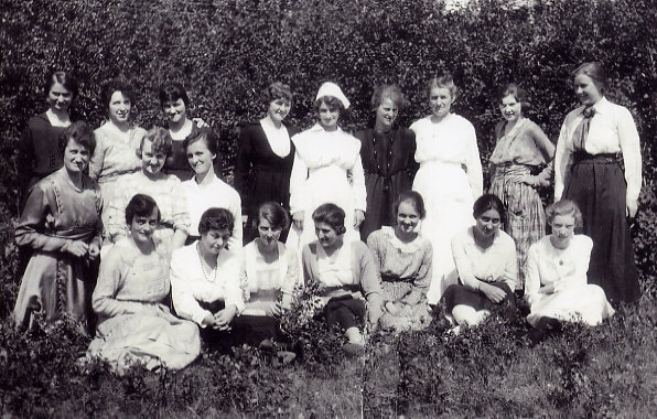 Group with nurses at Fort San Sanatorium grounds Year: Approximately 1921 Freda - 3rd to left, middle row