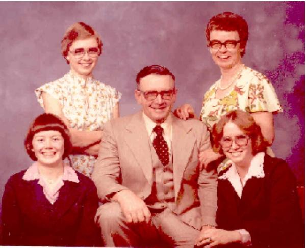 Tom Potts Jr. Family Year: 1979 L to R - Back Row - Sandra and Lillian Front Row - Shirley, Tom, Shelley