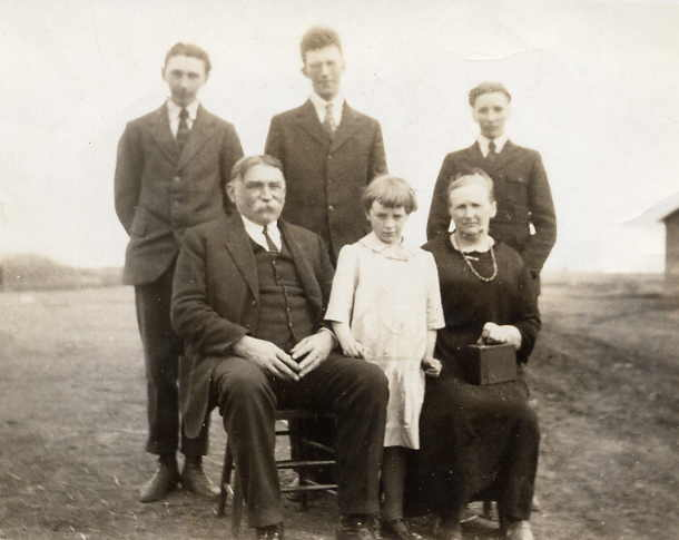 The Family Year: 1926 Place Name: Wauchope The family about 1926. Back row Tom, Ted, Walter; Front row: T. C., Gladys, Alice