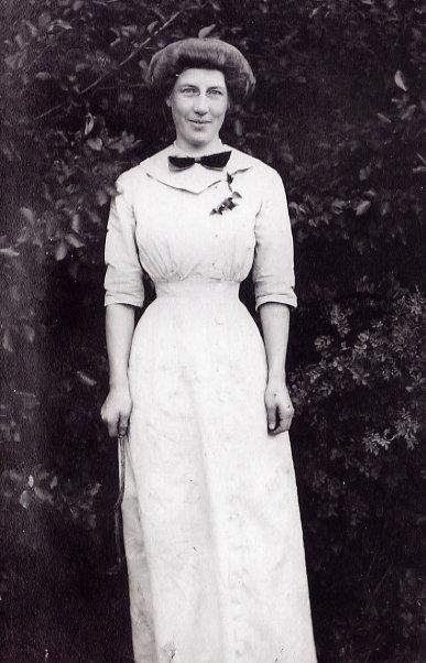 Gladys Nelson Year: c. 1910