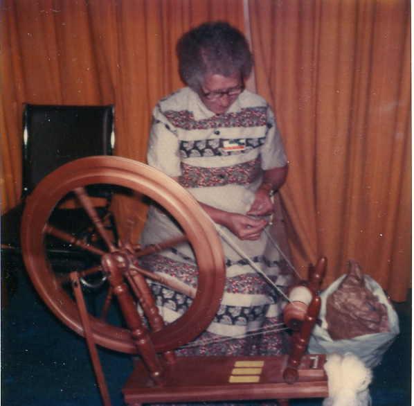 Spinning Year: 1980 Ernestine Pott spinning samoyd dog hair